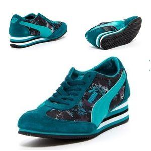 Puma Caroline Stripe Metal Wedge Sneaker
